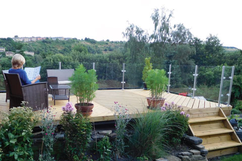stainless and glass balustrade garden view